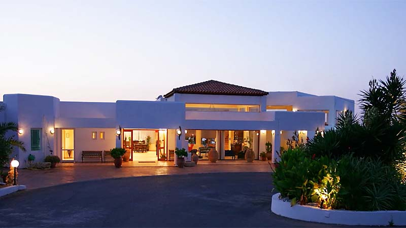 Sunshine Village Hotel 4*